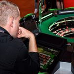 Should you bet on Hot and Cold numbers in Roulette