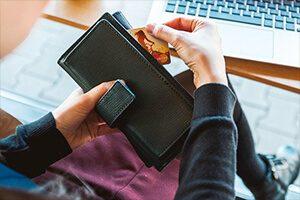UK Bans Credit Card Gambling Online and Offline
